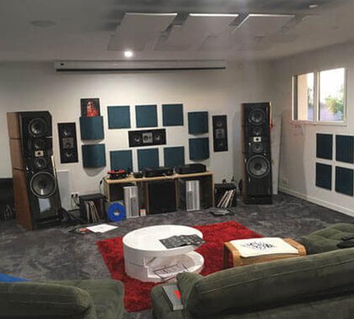salle hifi avec panneaux acoustiques