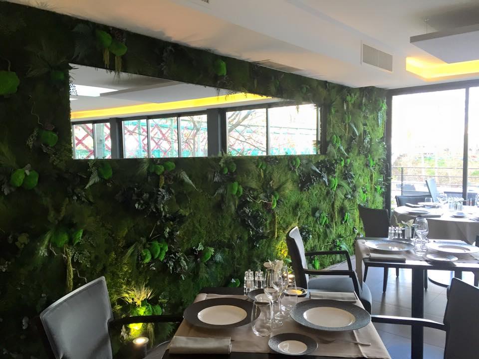Panneau végétal pour lutter contre le bruit au travail